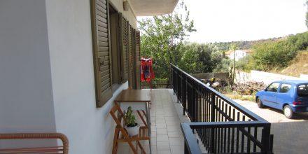 Case in vendita a Roseto Capo Spulico - Piano rialzato con terrazzo e garage - ingresso indipendente